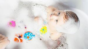 Bebekler için banyoda gerekli en iyi 10 ürün hangisi