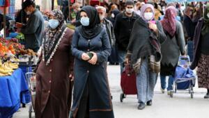 Eskişehirde 3 günlük yasak öncesi pazarlar doldu