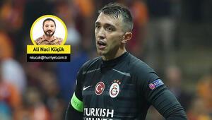 Son Dakika | Galatasarayda kaptanlar Selçuk ve Musleradan fedakarlık