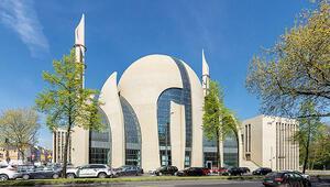Almanyada camiler de açılıyor