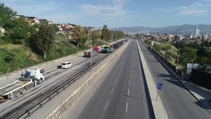 İzmir, kısıtlamanın 2nci gününe de sessiz uyandı