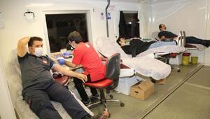 Elazığ Belediyesi itfaiye personellerinden kan bağışı