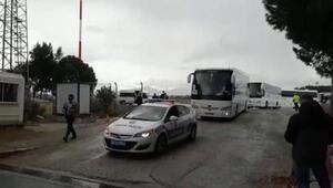 Suudi Arabistandan 169 Türk vatandaşı İzmire getirildi