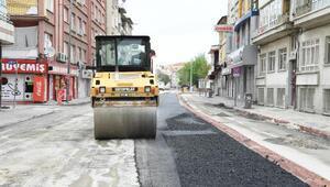 Konya Büyükşehir Belediyesi sokağa çıkma yasağında yol çalışmalarını sürdürüyor