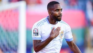 Son dakika transfer haberleri | Galatasaray, Barcelonanın kapısından dönen Cedric Bakambunun peşinde