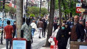 Avcılar'daki Marmara Caddesi yine kalabalık