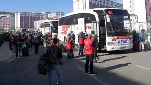 Sivasta karantina süresi sona eren 574 kişi memleketlerine uğurlandı