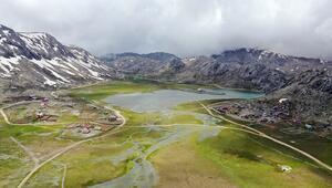 Doğa harikası Günnercik Yaylası ve gölü hayran bırakıyor