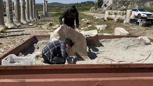 Patarada bulunan yazıt kazı ekibini heyecanlandırdı