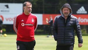 Beşiktaşta sosyal mesafeli mesai