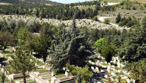 Mezarlıklar ziyarete açıldı