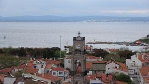 Bozcaadada 151 yıllık kilisenin çan kulesi restore edildi