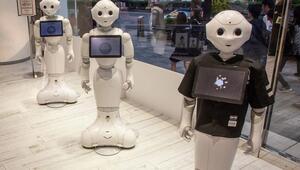 Otellerde robot personel dönemi Koronavirüs hastalarına bakmışlardı…