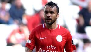 Antalyasporda Charles seferberliği Brezilyadan henüz dönemedi...