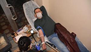 Malatyada sağlıkçılardan, kan bağışı