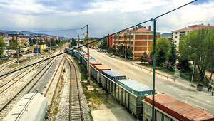 En uzun trenin 5 bin 500 km'lik yolculuğu