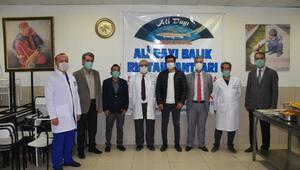 Malatyada sağlık çalışanlarına alabalık ikramı