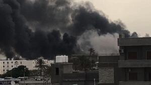 Libyada Mitiga Havaalanı bombardımanında 2 yolcu uçağı hasar gördü