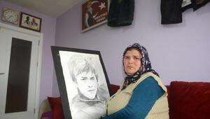 Şehit Erenin annesi: Yarın Anneler Günü, çiçeğini bekliyorum