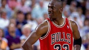 Michael Jordanın forması için rekor fiyata alıcı