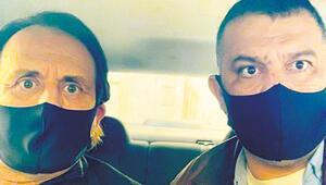 Maskeli polisler