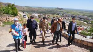 Mardinde şehit ailelerine Anneler Günü ziyareti