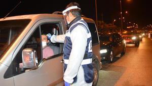 Adanada yasak kalktı, kent girişinde yoğunluk yaşandı