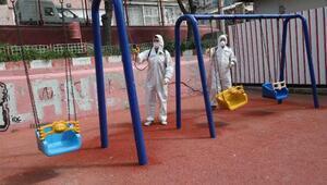 Bayraklıda berberler ve parklar dezenfekte edildi