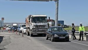 Diyarbakır girişinde uzun araç kuyruğu oluştu