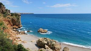 Koronavirüs tedbirleri Antalyanın denizine yaradı