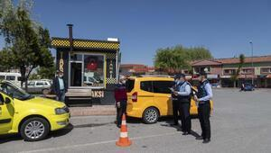 Büyükşehir zabıtası taksi duraklarını denetledi