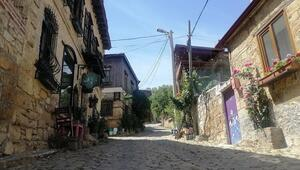 Bu köyde fotoğraf çekmek parayla