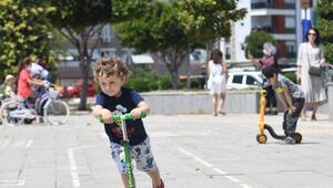 Konyaaltında sokaklar çocuk sesleriyle şenlendi