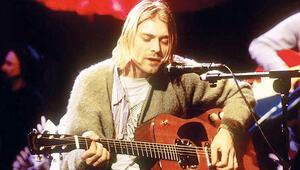 Hırkadan sonra gitarı da satışta