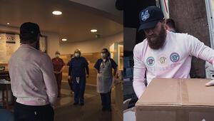 Conor McGregor sağlık çalışanlarını ziyaret etti