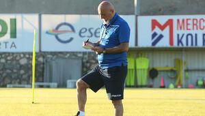 Yeni Malatyaspor sosyal mesafeye uyarak antrenman yaptı