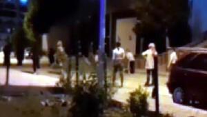 Sokakta oynayan gençler, polisi görünce evlere kaçtı