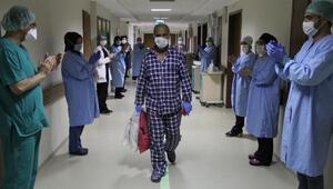 Koronavirüsü yenen çift, 12 gün arayla taburcu edildi