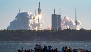 Fildişi Sahilinde köylere düşen Çin roketi artıkları endişeye yol açtı