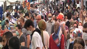 Avcılarda semt pazarında aşırı kalabalık oluştu