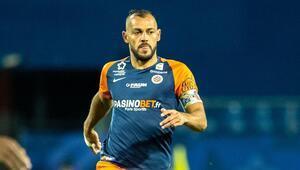 42 yaşında yeni sözleşme Montpellierin Brezilyalı savunmacı Hilton...