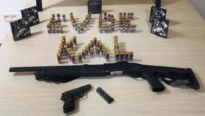 Bitliste silah kaçakçılarına operasyon: 8 gözaltı
