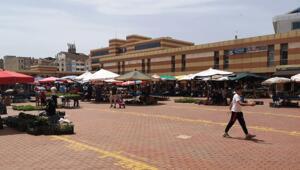 Corona virüs vakaları görülen köydeki pazarcılar tezgah açmadı
