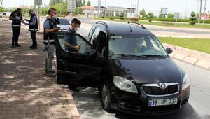 Kayseride şok olay Sokak kısıtlamasında 14 yaşındaki çocuk araç kullanırken yakalandı