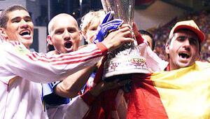 Galatasaray UEFA Kupası zaferinin 20. yılını kutluyor
