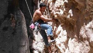 Kayıp dağcı 6 gündür aranıyor