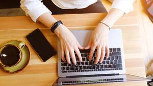 Çalışanların üçte biri iş başında artık daha fazla zaman harcıyor