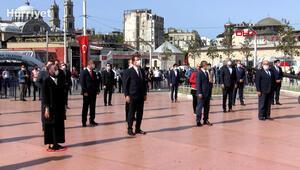 Taksim Cumhuriyet Anıtında 19 mayıs töreni