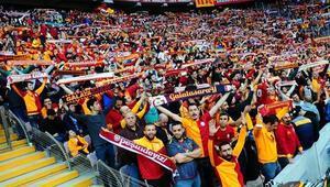 Son Dakika | Galatasaraydan karton taraftar modeli