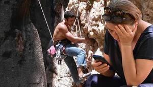 Kayıp dağcının sırt çantası ve eşofmanına ulaşıldı